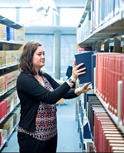 Business student in library