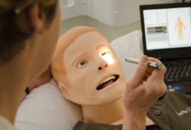 Student working with SimMan 3G