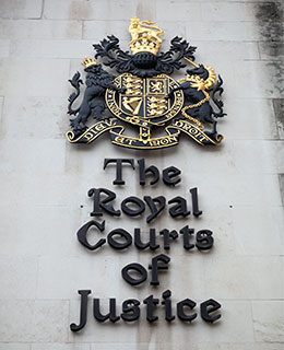 Royal-courts-of-justice-sign