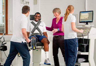 Physiotherapy students in a simulated consultation