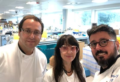 Cesar Biao, Lucy HG Solomon and Joao Inacio in the lab