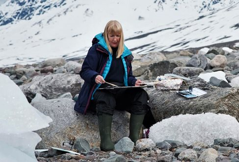 Adele Gibson painting in the Arctic